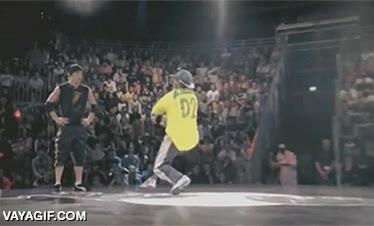 Enlace a Llevando la vacilada en una batalla de breakdance a otro nivel