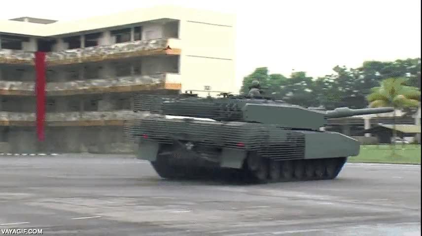 Enlace a Así que un tanque no puede derrapar, ¿no?