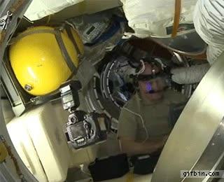 Enlace a Es más fácil hacerte selfies en el espacio