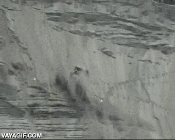 Enlace a ¿Cuánto tardaría en escalar esa montaña? ¿Y en coche? Pero no se puede escalar con un coch... ¡Oh!