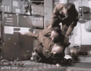 Enlace a En gravedad 0 cualquiera puede hacer flexiones