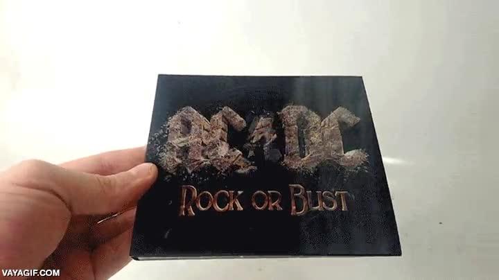 Enlace a Ojo a la portada del nuevo disco de AC/DC