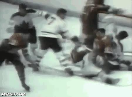 Enlace a Cuando los porteros de hockey sobre hielo no llevaban máscaras de protección