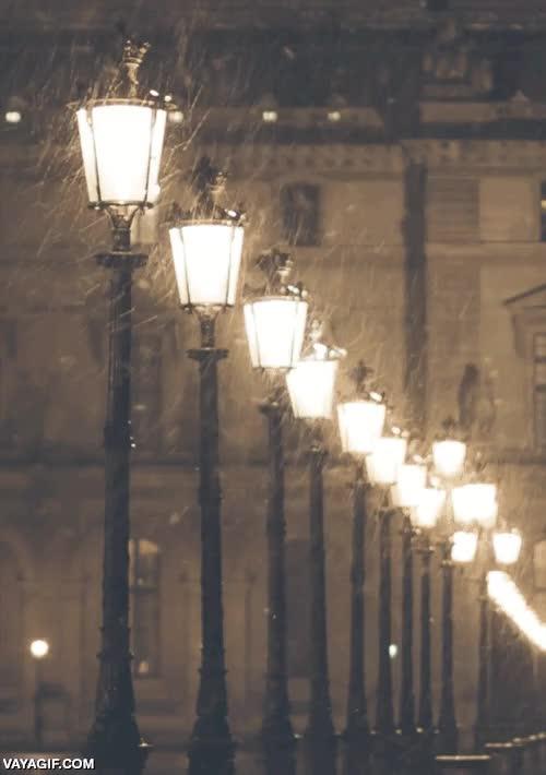 Enlace a Las noches de nieve y ventisca son tan poéticamente bonitas