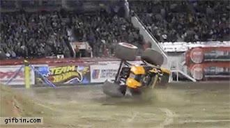 Enlace a Oh no, el monster truck va quedar volcad... ¡BRAVO!
