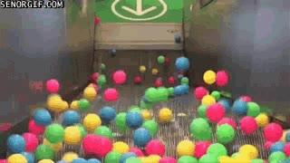 Enlace a Dándole un poco más de color (y de riesgo) a unas escaleras mecánicas