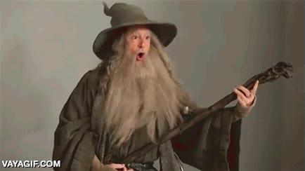 Enlace a Y por si no habías tenido bastante con la versión rara de Legolas, ¡aquí llega Gandalf!