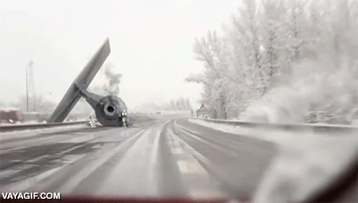 Enlace a El típico accidente de tráfico de los soldados imperiales