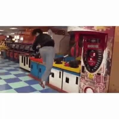 Enlace a Y desde ese día, esta máquina de punching ball no volvió a ser la misma