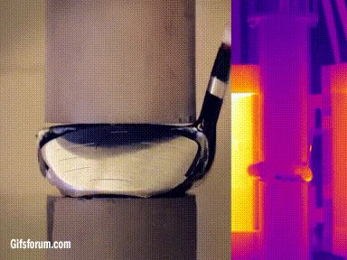 Enlace a Aplicando 45.000 kilos de presión a objetos cotidianos