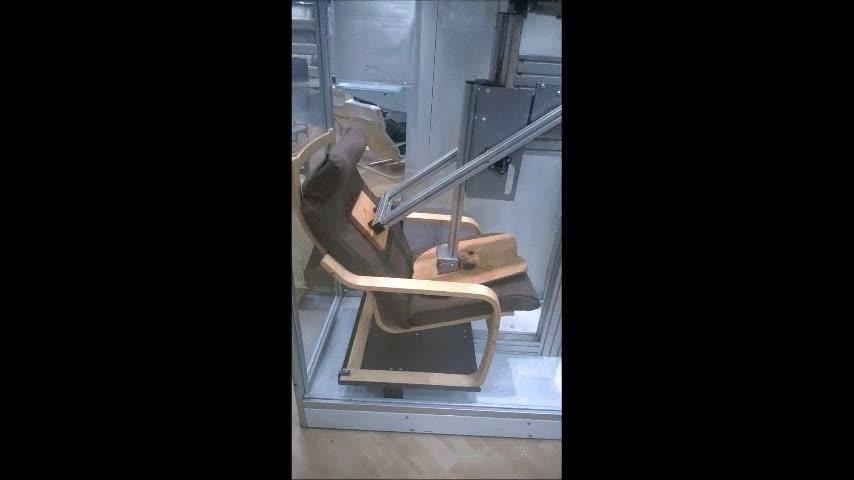 Enlace a Así se pone a prueba la resistencia de un sillón