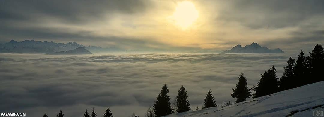 Enlace a Un mar de nubes en Suiza