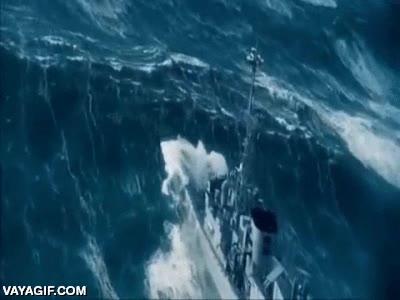 Enlace a Pues parece que el mar está un pelín embravecido