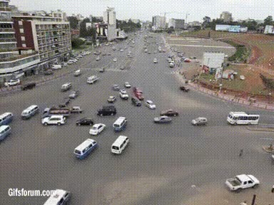 Enlace a El típico cruce de carreteras sin señales de Etiopía