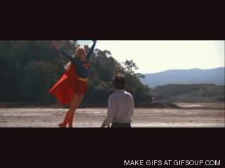Enlace a Supergirl, la acosadora