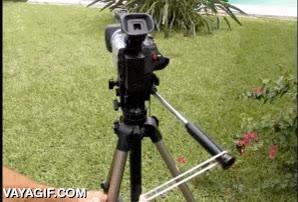 Enlace a Un pequeño truco para hacer travellings más fluidos con la cámara en un trípode