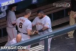 Enlace a El saludo entre jugadores de baseball más hardcore de la historia