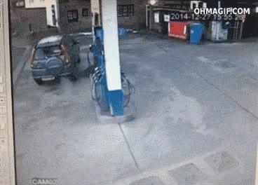 Enlace a Cuando no estás seguro de en qué lado tienes el depósito de gasolina en tu coche