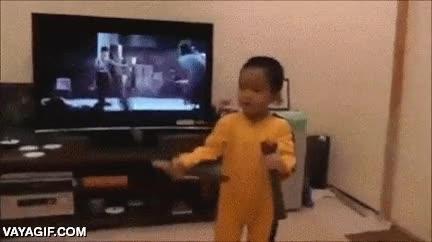 Enlace a No suelo creer en la reencarnación, pero este pequeño Bruce Lee me hace dudar seriamente