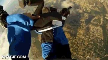 Enlace a El ladrón de zapatillas volador