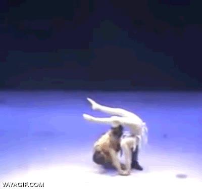Enlace a ¡El ballet es solo para mariquitas! ¿Sí? A ver si tú que eres tan macho consigues hacer esto
