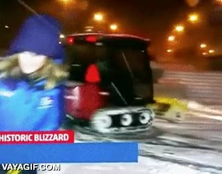 Enlace a Algunos aprovechan el temporal de nieve para pasarlo en grande