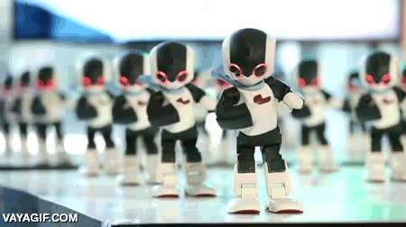 Enlace a 100 robots bailarines, la coreografía más sincronizada posible