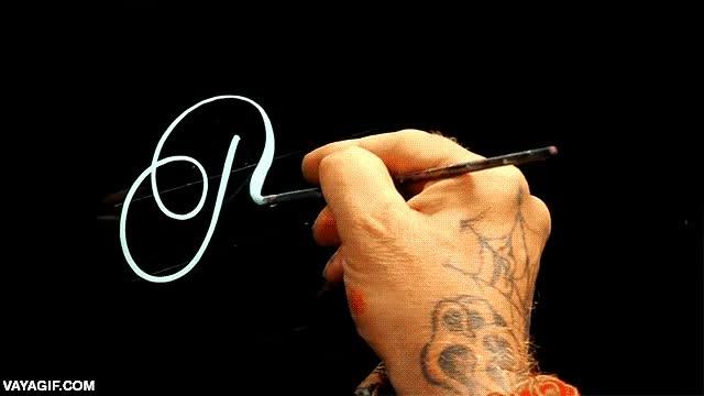 Enlace a Y yo pensaba que hacía buena caligrafía...