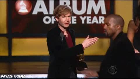 Enlace a Así fue el amago de liarla en directo en los Grammy como hizo años antes el bueno de Kanye West
