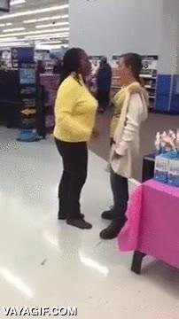 Enlace a Mientras tanto, en cualquier Walmart de Estados Unidos