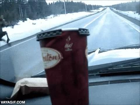 Enlace a Mientras tanto, en cualquier carretera canadiense...