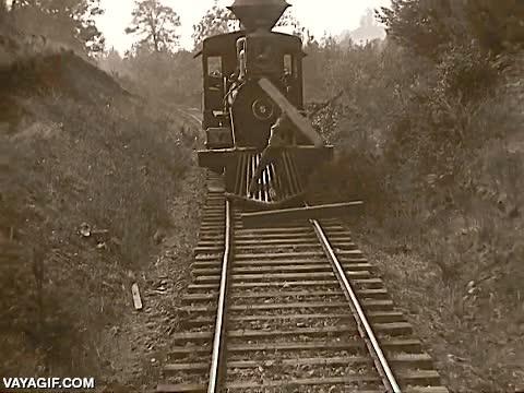 Enlace a Buster Keaton fue uno de los grandes temerarios del cine mudo