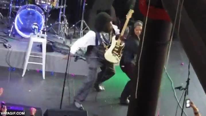 Enlace a El guitarrista con menos paciencia del mundo de la música