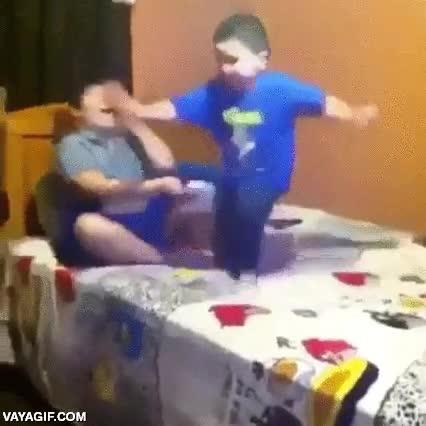 Enlace a Y así fue como este niño aprendió cómo funciona el karma