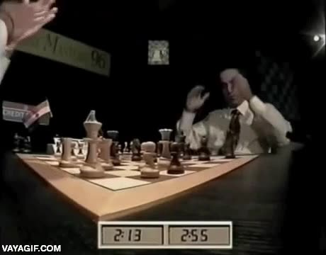Enlace a Kasparov cometiendo un gran error, los maestros también se equivocan