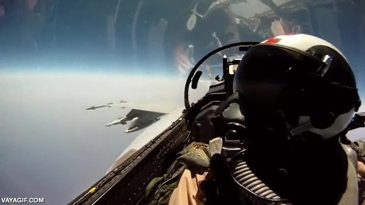 Enlace a Así se pueden pasar las cosas los dos pilotos de un caza militar