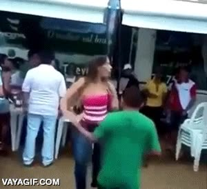 Enlace a Demostrando que la altura no tiene por qué ser un impedimento para bailar en pareja