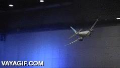 Enlace a Un avión comercial de aeromodelismo capaz de volar y despegar