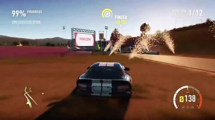 Enlace a Ganar una carrera de coches en un videojuego por los pelos pero like a boss