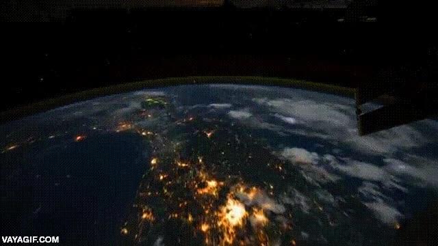 Enlace a Así es la Tierra vista desde la Estación Espacial Internacional