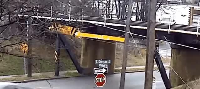 Enlace a El abrelatas para camiones