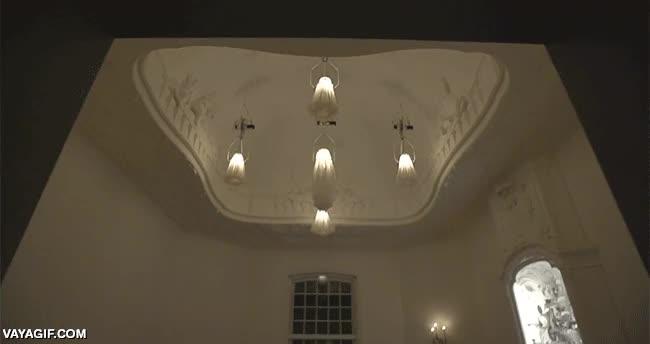 Enlace a Lámparas colgantes que ''florecen'' al encender la luz