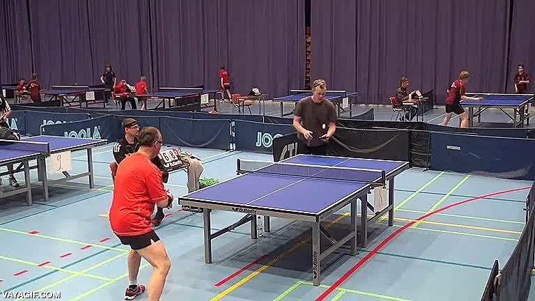 Enlace a Cuando crees que ya has visto todas las vaciladas posibles en el ping pong