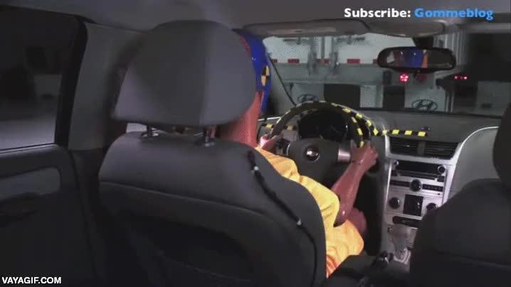 Enlace a Cuando conduzcas, ten mucho cuidado con los cantos de los camiones, son letales