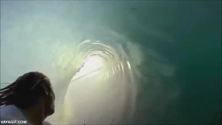 Enlace a Surfeando por dentro de las olas