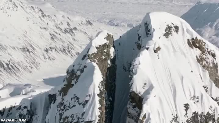 Enlace a ¿Te atreverías a bajar por aquí esquiando?