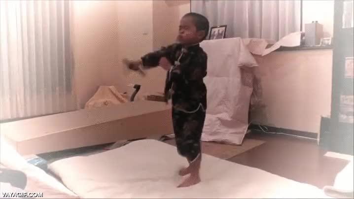 Enlace a Mini Bruce Lee