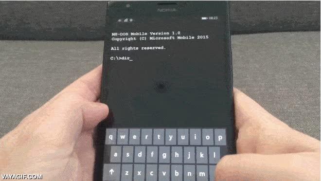 Enlace a ¿Tú móvil funciona con iOS o con Android? No, con MS-DOS