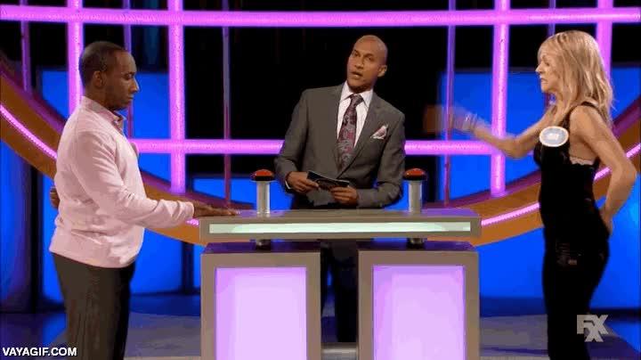 Enlace a El problema de llevar a los concursos de la tele a mujeres demasiado fuertes