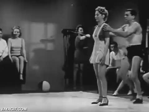 Enlace a Curso de autodefensa femenina en 1947